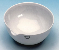 Evaporating basins, porcelain, with spout, round bottom, medium form Heco-Catalogue